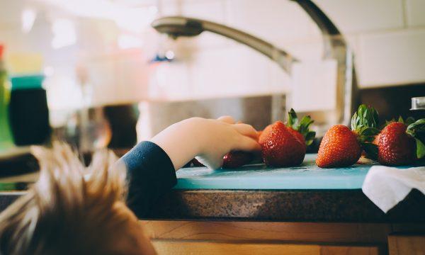 4 Consejos de diseño de cocina para familias con niños pequeños